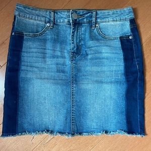 Two-tone stretchy mini denim skirt